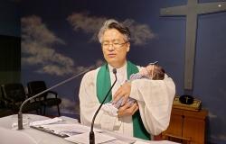 진설 아기 첫 예배 목사님 축복 기도